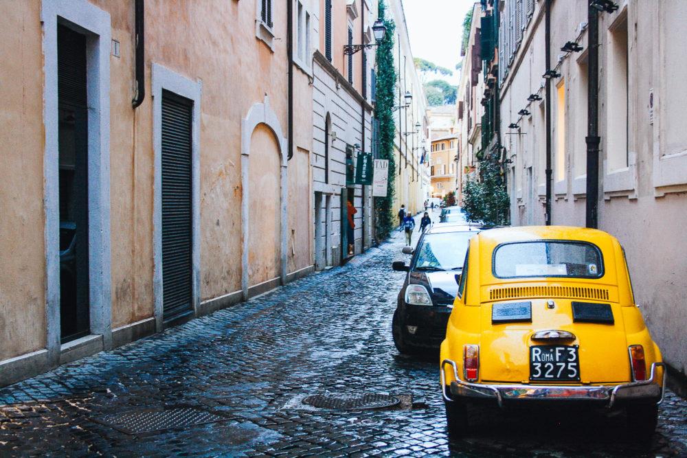 Petite place de Rome