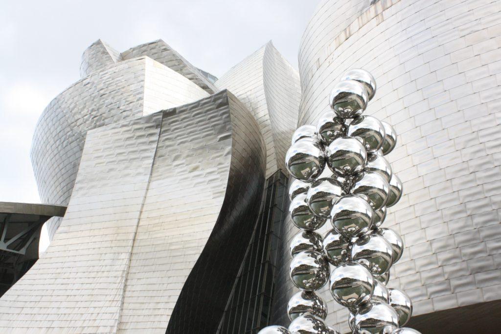 Le grand arbre et l'oeil d'Anis Kapoor, Musée Guggenheim de Bilbao